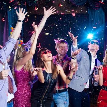 Friends celebrate new year's eve